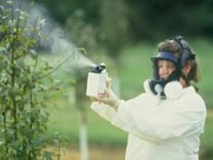 http://www.vegyireakcio.hu/dynamic/pesticidespray.jpg